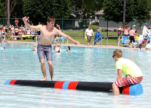 Holmen Pool Logrolling